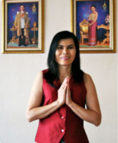 Soimug Srinuan Kunze, Masseurin. Inhaberin von SOIMUG - Traditionelle Thai-Massage